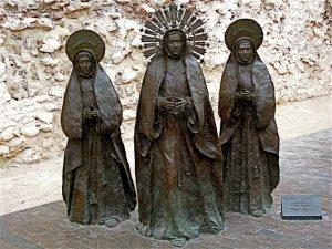 Las Tres Marías junto a la Calahorra