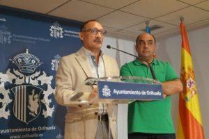 El concejal de Recursos Humanos, Rafael Almagro, y el edil de Empleo, Víctor Valverde