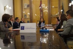 la-concejal-de-turismo-sofia-alvarez-presidio-este-jueves-la-mesa-de-calidad