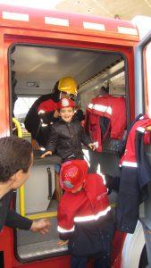 visita-bomberos-planta-de-pediatria-21-12-16-112