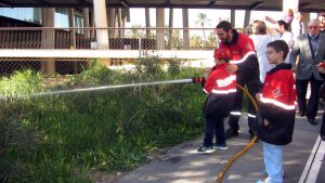 visita-bomberos-planta-de-pediatria-21-12-16-128