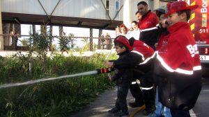 visita-bomberos-planta-de-pediatria-21-12-16-133