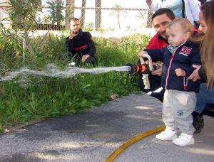 visita-bomberos-planta-de-pediatria-21-12-16-136