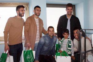 Han repartido regalos y alegria