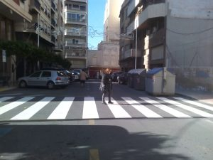 paso-de-peatones-repintado-en-blasco-ibanez