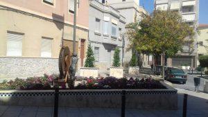 La Concejalía de Jardines lleva a cabo trabajos de mejora en varias plazas de Crevillent
